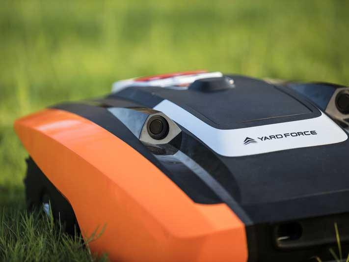 כיסוח דשא אוטונומי / צילום: יחצ