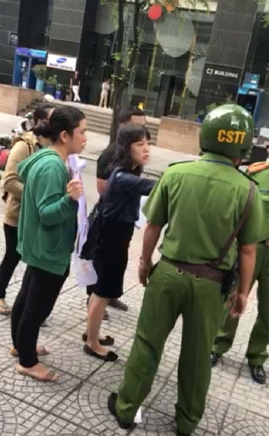 רוכשים וייטנאמים בעימות עם כוחות הביטחון בהפגנה נגד החברה / צילום: יחצ