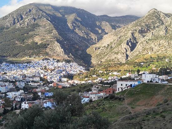 הרי הריף. שאפשאוואן בעמק שבין ההרים. גבול היסטורי בין מרוקו הספרדית והצרפתית / צילום: יונית קמחי