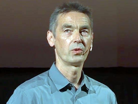 """ד""""ר אוטו שארמר. שיתוף פעולה שהוליד תוכנית לימודים ב־MIT / צילום מסך"""