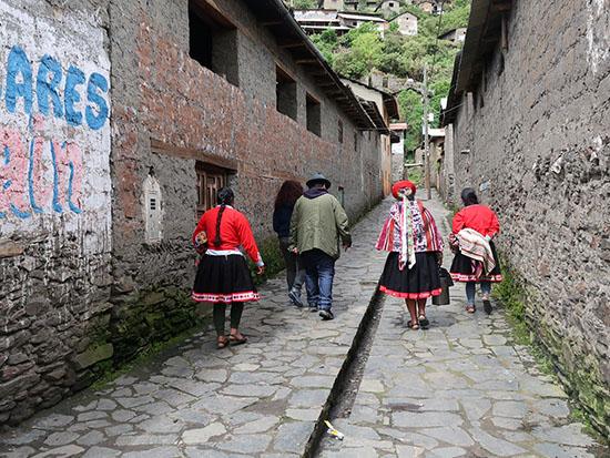 בסמטאות הכפר קוקקאנצ'ה / צילום: רוני ערן