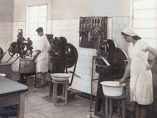 """במפעלי טבע בעבר / צילום: יח""""צ"""