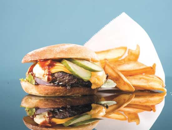 מיאזאקי המבורגר/  צילום: איליה מלניקוב