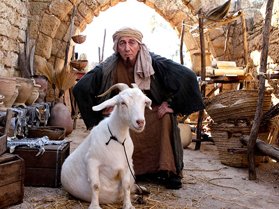 """מוני מושונוב- התוכנית היהודים באים-ערוץ 1  /  צילום: יח""""צ"""