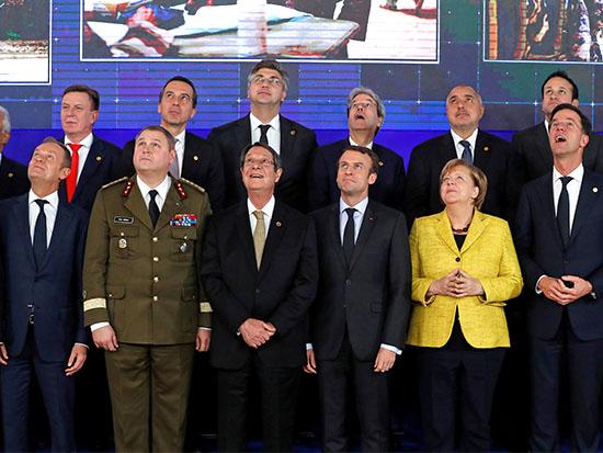 """מנהיגי אירופה בהשקת פסק""""ו בדצמבר האחרון / צילום: רויטרס - Yves Herman"""