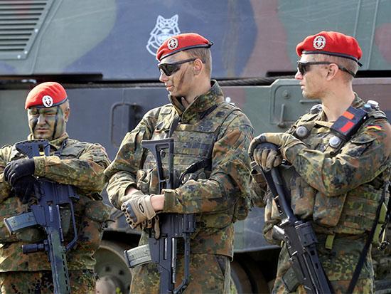 חיילים גרמניים / צילום: רויטרס - Ints Kalnins