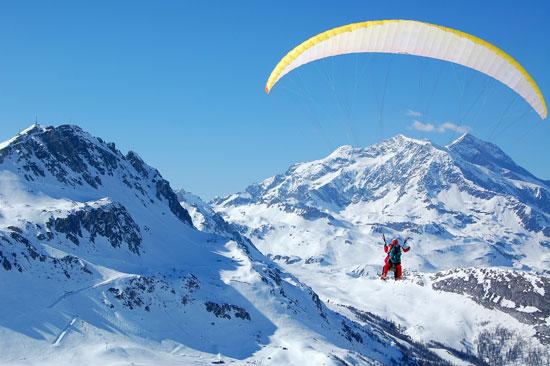 גלישה אווירית/ צילום: צילומים: Val Thorens, Shutterstock | א.ס.א.פ קריאייטיב