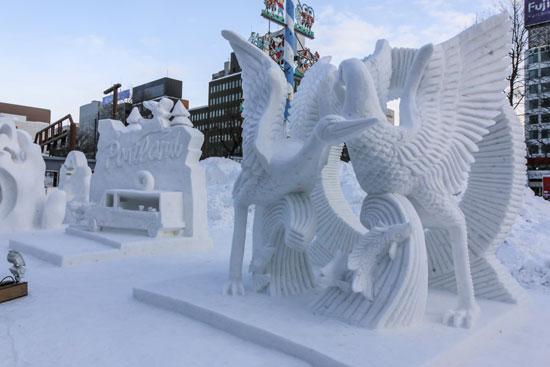 פסלי הקרח. הפסטיבל בסאפורו מתקיים מ־31 בינואר עד 11 בפברואר/ צילום: Shutterstock | א.ס.א.פ קריאייטיב