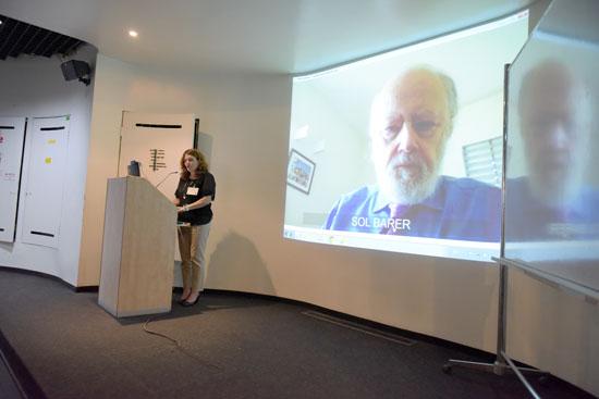 סול בארר (על המסך) ותמר רז / צילום:דוד פרץ