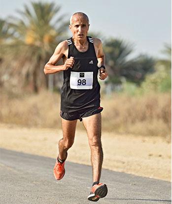 אריה גמליאל, לשעבר אלוף ישראל ושיאן בריצות למרחקים בינוניים וארוכים כיום, בגיל 60 / צילום: טיבור יגר