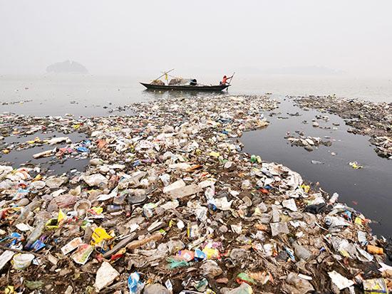 זיהום הנהרות בהודו / צילום: רויטרס - Anuwar Hazarika