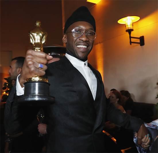 זוכה האוסקר לשחקן המשנה הטוב ביותר, מהרשלה עלי / צילום: REUTERS/Mario Anzuoni