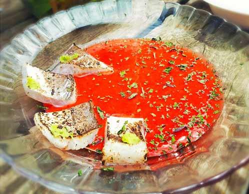 קוביות דג במסעדת נחום / צילום: רועי היימס