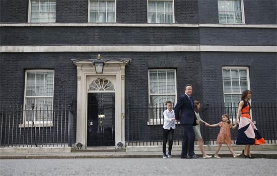 ראש ממשלת בריטניה דיוויד קמרון ומשפחתו עוזבים את המעון הרשמי בלונדון לאחר התפטרותו על רקע ברקזיט, יולי 2016 / צילום: Stefan Wermuth, רויטרס