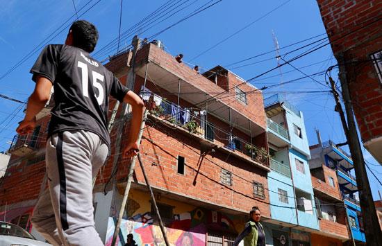 בתים בבואנוס איירס / צילום: רויטרס - _MARCOS BRINDICCI