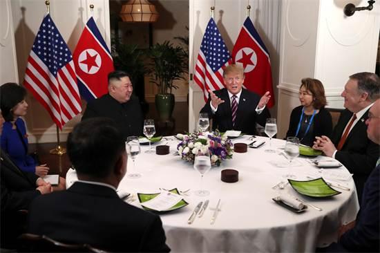ארוחת הערב של טראמפ וקים / צילום: רויטרס