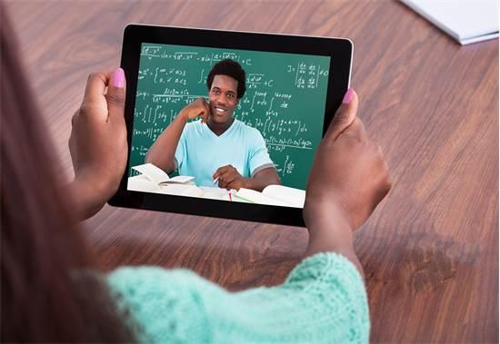 האתגר הגדול: להעביר שיעורים מקוונים ללא תקלות בכלל/צילום: Shutterstock/א.ס.א.פ קרייטיב