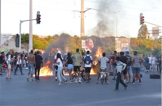 התפרעויות, חסימות כבישים והבערת צמיגים: מחאת יוצאי אתיופיה 2.7.19 / קרדיט צילום: דוברות המשטרה.