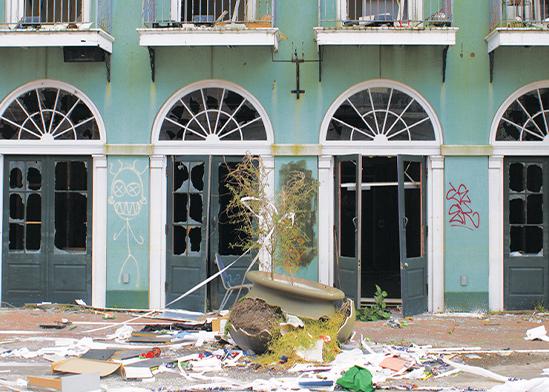 בניין בניו אורלינס לאחר הוריקן קתרינה. גופרית בקירות הגבס / צילום:  Shutterstock/ א.ס.א.פ קריאייטיב