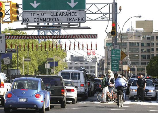 פקק תנועה בכניסה לגשר ברוקלין שמוביל למנהטן / צילום: רויטרס
