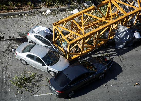 קריסת המנוף בסיאטל. לא לומדים מתאונות במקום אחר / צילום: רויטרס