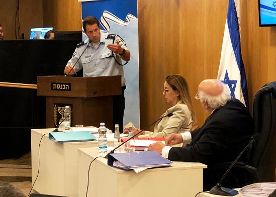 נציג משטרת ישראל סגן ניצב גלעד בהט בועדת הבחירות / צילום: טל שניידר, גלובס