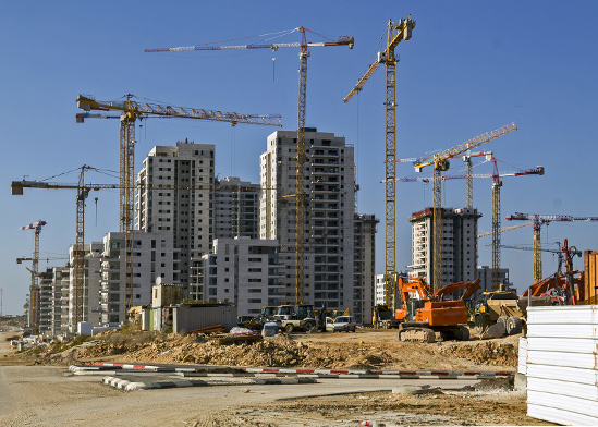 דירות חדשות בבנייה. 20% מהתשלום בעת החתימה על החוזה, ו־80% בכניסה לדירה  / צילום: shutterstock, שאטרסטוק