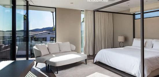 """חדר השינה באחד הבתים שמאסק קנה בשדרה בבל אייר / צילום: יח""""צ HILTON & HYLAND, יח""""צ"""