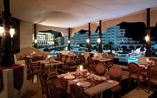 """חדר האוכל במלון טיטניק מרדן / צילום: יח""""צ"""