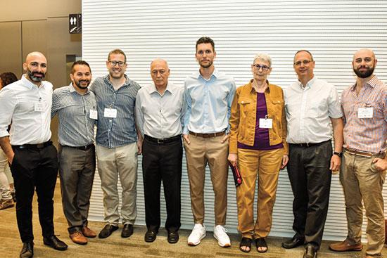 נציגי המפגש בבורסה לניירות ערך  / צילום: לוז דנוס,
