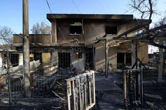 מבוא מודיעים אחרי השרפה/ צילום: איל יצהר