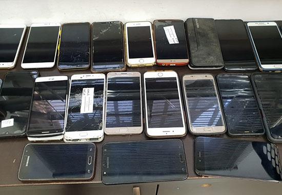 טלפונים ניידים / צילום: רכבת ישראל