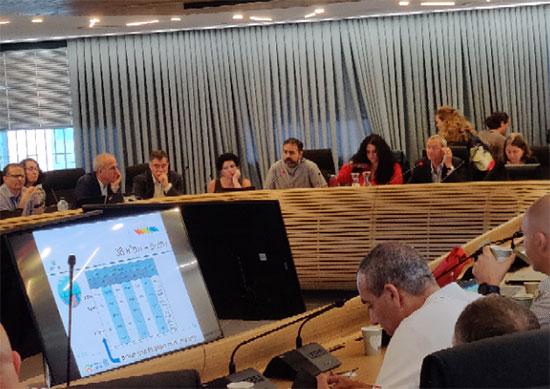 """מתוך הדיון של המועצה הארצית לתכנון ולבנייה על עתיד התמ""""א 38 / צילום: אריק מירובסקי"""