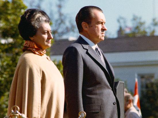 ניקסון וגאנדהי ב־1971/צילום: רויטרס