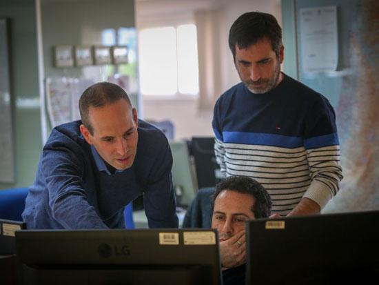 בריינין (מימין), דוידוף (יושב) וסביר / צילום: שלומי יוסף