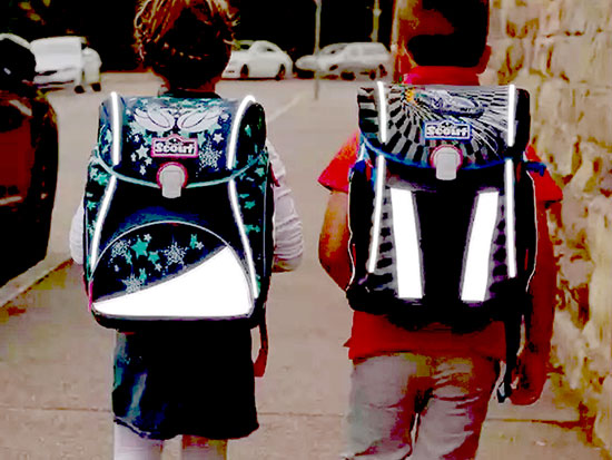 """תיקי בית ספר של חברת Skout הגרמנית בשיתוף עם יצרנית הנורות והתאורה Osram / צילום: יח""""צ"""