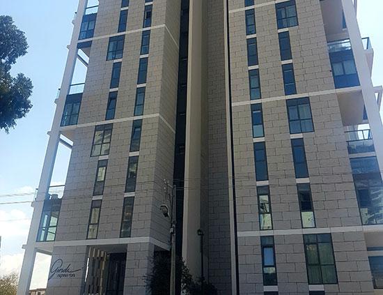 מגדל OAK של גינדי החזקות. מעט היצע / צילום: איל יצהר