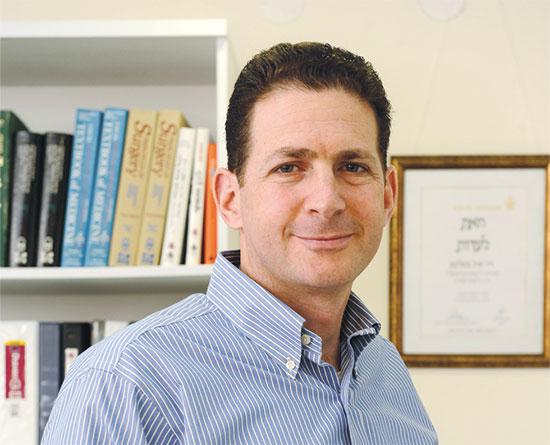 סגן מנהל המרכז לחדשנות בשיבא, איל צימליכמן / צילום: תמר מצפי