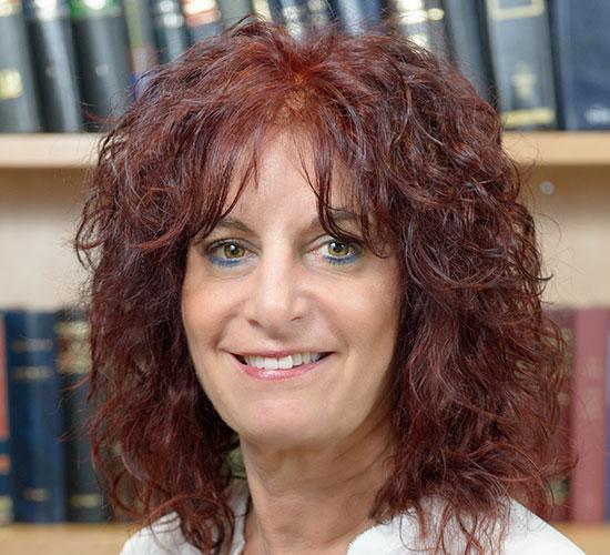 """עו""""ד רחל בן ארי (בר רב האי), שותפה מייסדת במשרד בן ארי, פיש, סבן ושות' / צילום: יוליה טוקרב"""