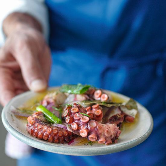תמנון צלוי בגריל / צילום: אפיק גבאי