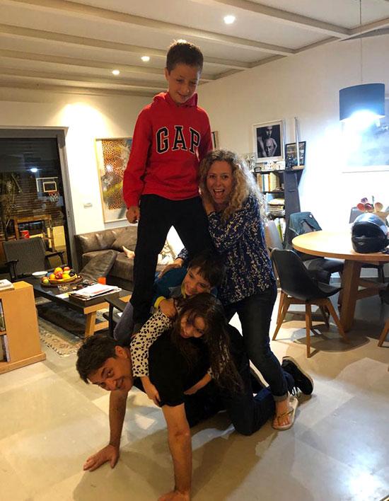 """עברי ורבין, מנכ""""ל goodvision מקבוצת פאהן קנה, ומשפחתו / צילום: אלבום פרטי"""