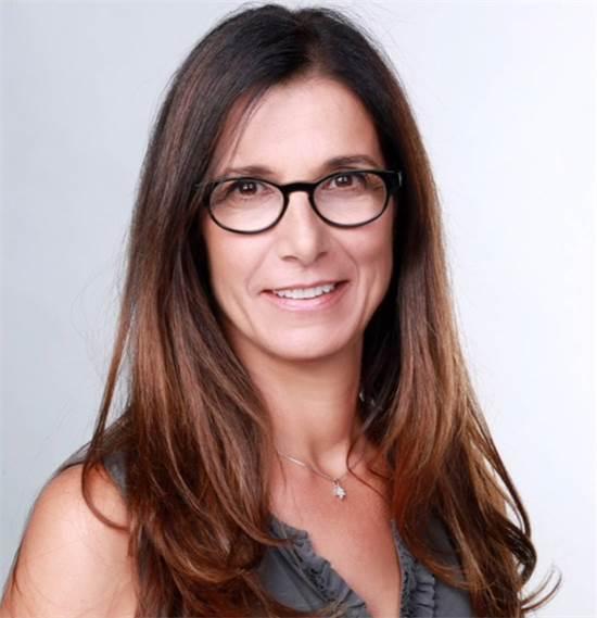 """דינה זוארץ נבות, סמנכ""""לית שיווק, פרסום ופיתוח עסקים, מנהלת חטיבה במזרחי טפחות / צילום: אילן בשור, יח""""צ"""