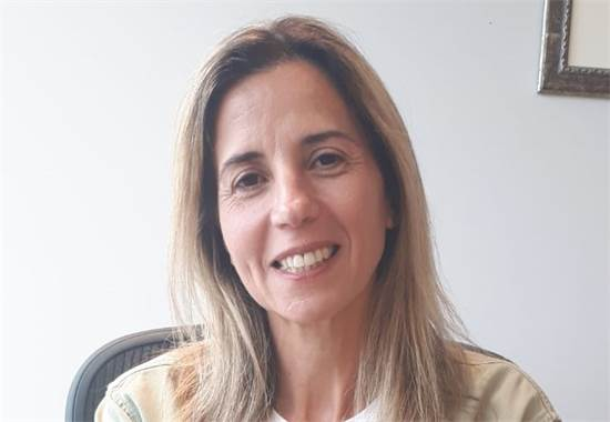 """אנה בארלי, מנהלת המכירות של פרויקט """"ערך עיר""""/צילום: דיקלה ענבים"""
