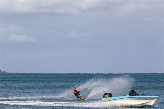 """סקי מים ווויקבורד גם למתחילים / צילום: יח""""צ"""