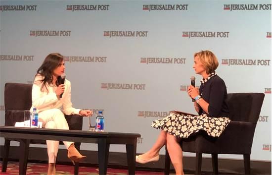העיתונאית דנה ויס ואיילת שקד / צילום: דובר איילת שקד