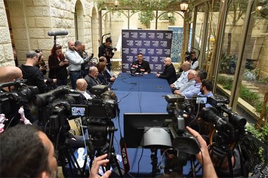 אבי גבאי מתראיין / צילום: מפלגת העבודה