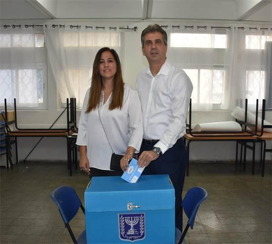 אלי כהן ורעייתו ענת / צילום: תמונה פרטית