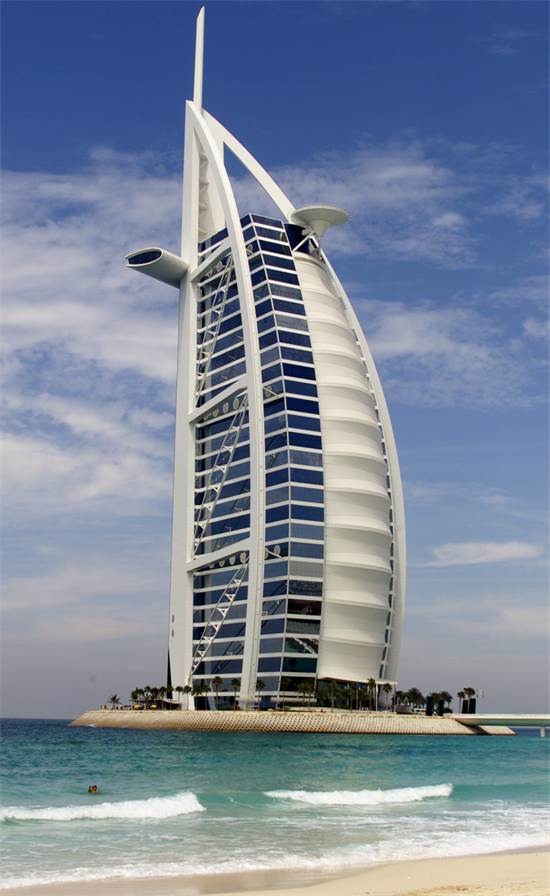 מלון Burj Al-Arab שבדובאי / צילום: רויטרס