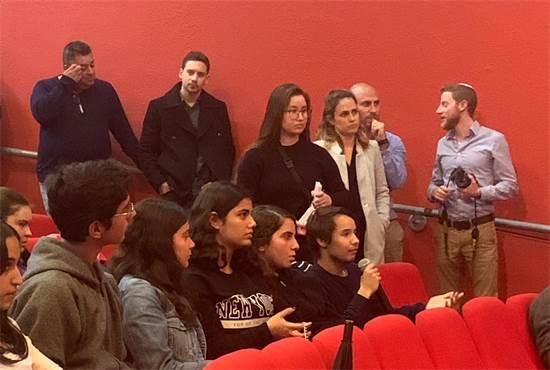 בני נוער משדרות שואלים את שר הכלכלה שאלות \ צילום: גלובס