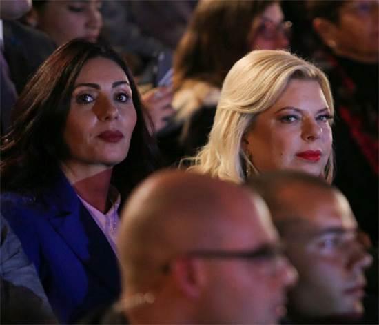 מירי רגב ושרה נתניהו בטקס הדלקת המשואות 2018 / צילום: נועם מושקוביץ' וואלה news